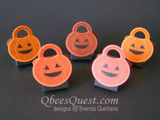 Howl-o-ween Pumpkin Kiss Tents